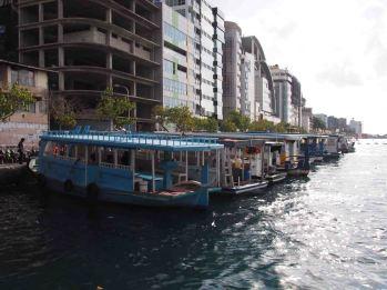 photo1430928211120 boats