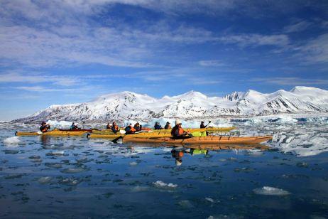 IMG_8581 kayakers adventuresofacouchsurfer