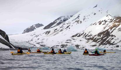 IMG_9934 kayakers adventuresofacouchsurfer
