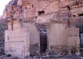 Qsar Al-Bint