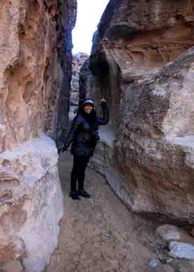 Syreeta in narrow entrance