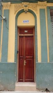 p2040008-door