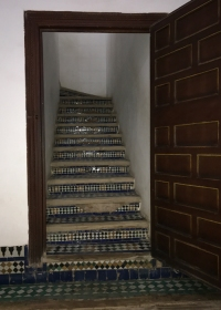 20170306_094231765_iOS-stairs