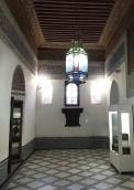 20170306_100711432_iOS-hallway