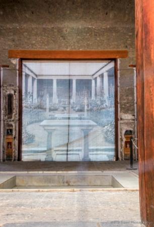 adventuresofacouchsurferpompeiiIMG_5522-5522