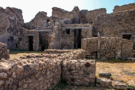 adventuresofacouchsurferpompeiiIMG_5536-5536